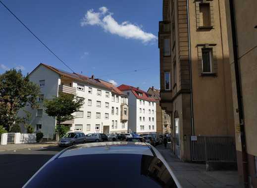 Altbau Erstbezug nach Sanierung: exklusive 3-Zimmer-Hochparterrewohnung mit Balkon in Stuttgart