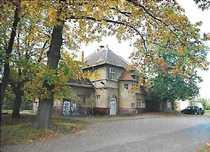 Bild Ehemaliges Bahnhofsgebäude mit großem Grundstück!