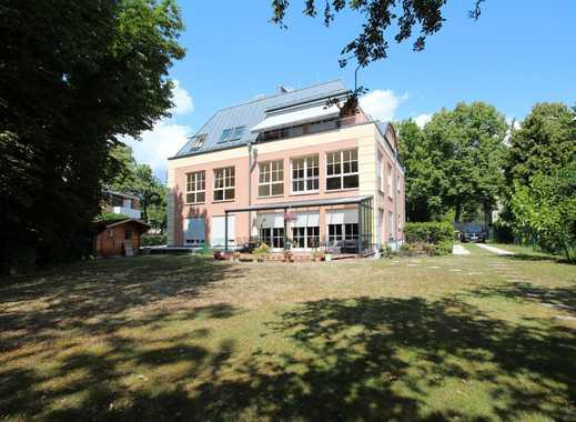 Großzügige Etagenwohnung in Grunewalder Stadtvilla