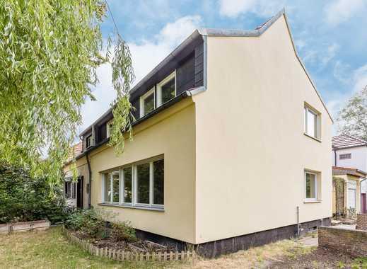 Ruhiges Familiendomizil mit Garten, Terrasse und viel Potential in Berlin-Lichterfelde