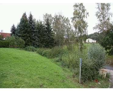 ROBSCHÜTZ - OT von Klipphausen. Familienidylle in hübscher Siedlung und auf dem Land. in Triebischtal