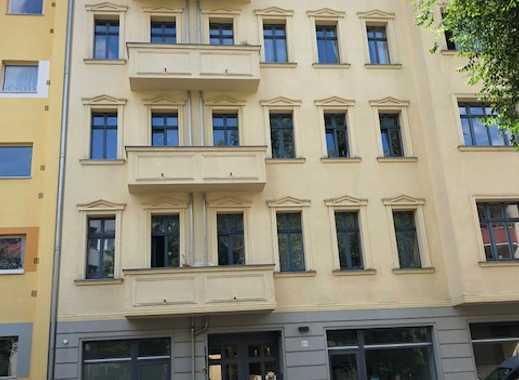Schöne sonnige Dachgeschosswohnung mit hochwertiger Ausstattung,Fußbodenheizung und 4 Terrassen.!