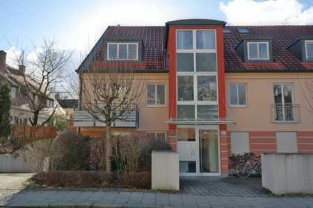 DAHEIM ZUHAUSE für SINGLES: Behagliches Appartement mit Einbauküche und Garten in Ramersdorf (München)