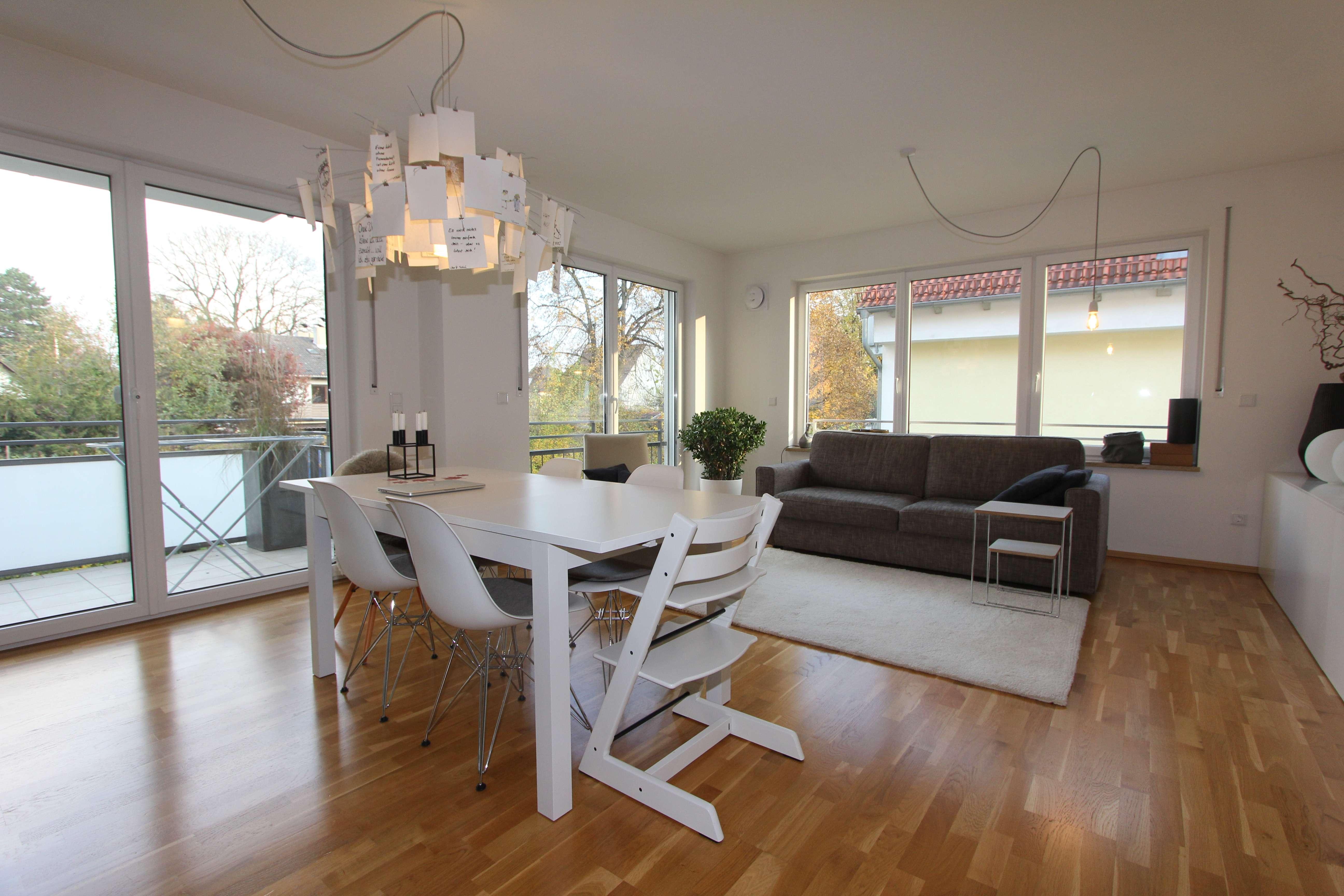 Aubing - tolle 3 Zimmer Whg. mit Parkett, großem Balkon, Gäste-WC, TG, - TOP-Lage   FREI!!! in Aubing (München)