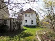 Grundstück mit Altbestand in Aubing