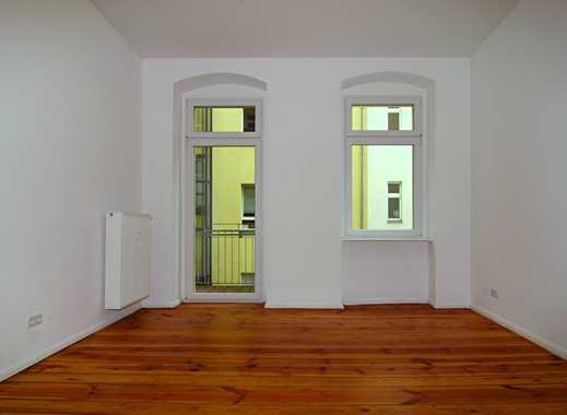 TOP SANIERTE traumhafte Maisonette-Wohnung mit kl. Gartenanteil, Terrasse, Balkon und EBK