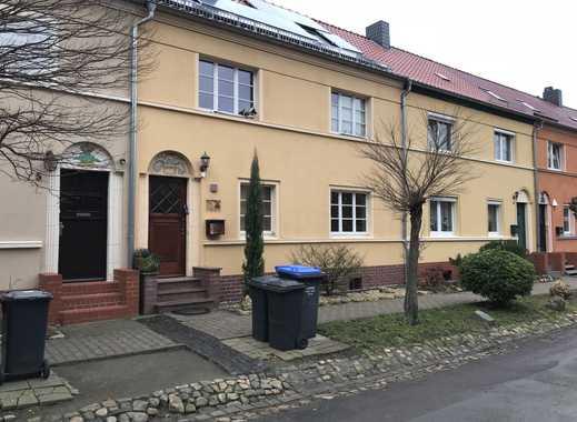 Teilmöbliertes 2-Zimmer-Apartment inkl. Einbauküche, Duschbad und Balkon!!!