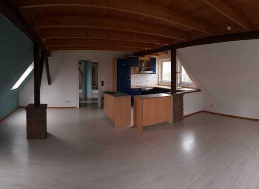 Günstige, gepflegte 4-Zimmer-DG-Wohnung mit Einbauküche in Wittbek
