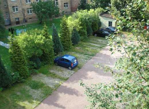 Stellplätze im Hinterhof zu vermieten - geschützte Lage - mit Poller gesichert