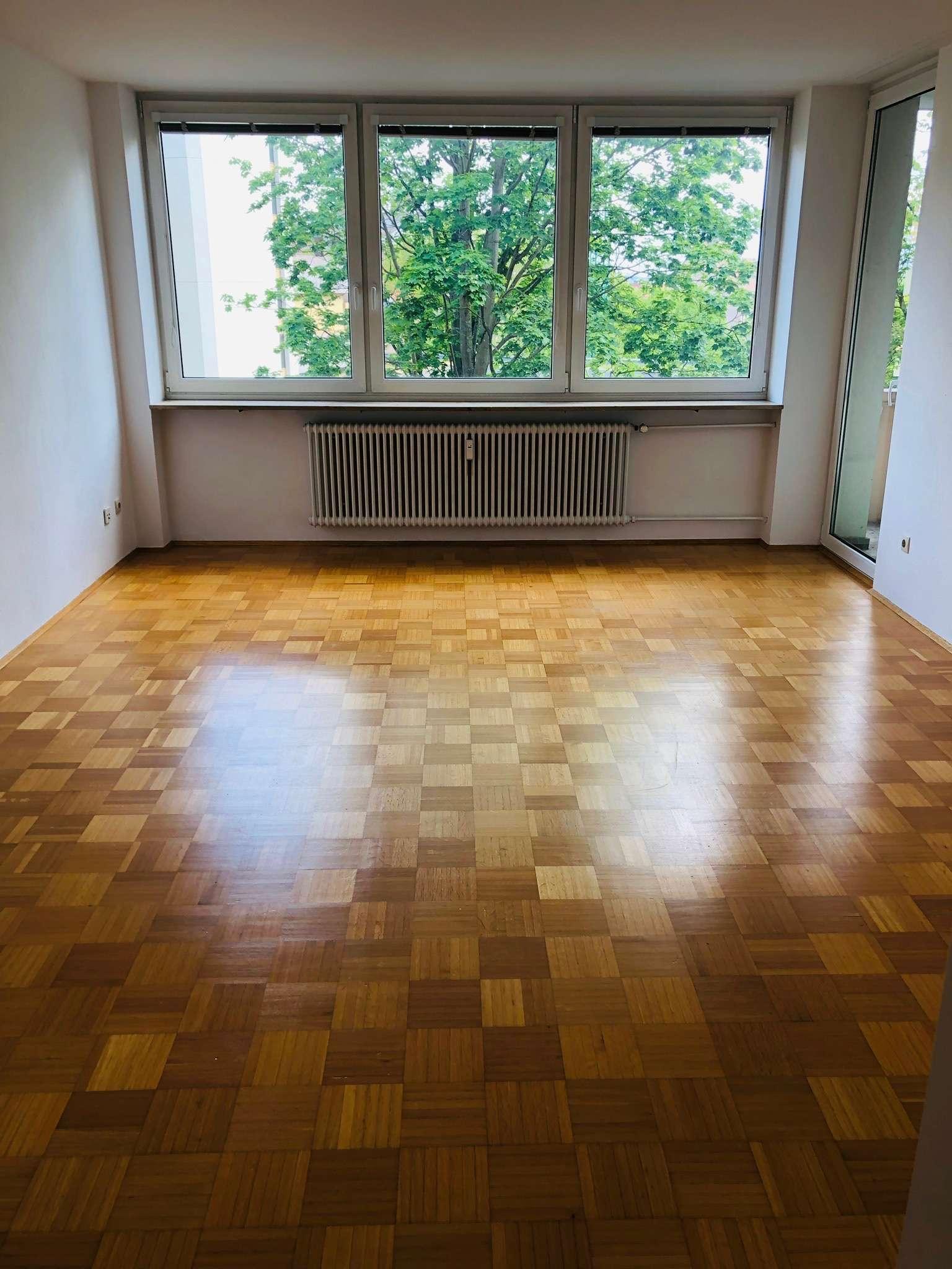 Sehr schöne 3-Zimmer-Wohnung mit Balkon in zentraler Lage unterhalb der Burg ( Nürnberg/ Sebald)