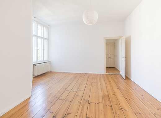 **Ideal zur teilgewerblichen Nutzung, Altbauwohnung mit Dielen, EBK und Balkon**