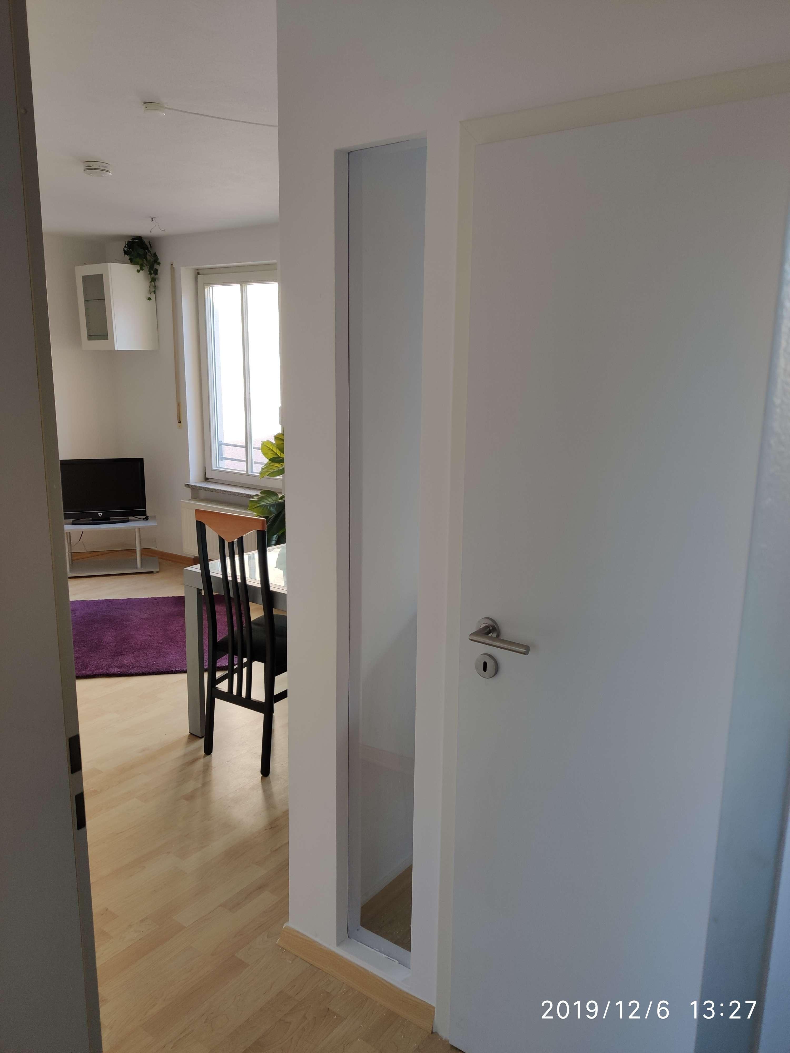 *Befristet* Exklusive, möbilierte, gepflegte 1,5-Zimmer-Wohnung mit Balkon und EBK in Unterhaching in Unterhaching