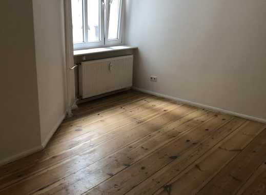 *KREUZKÖLLN* 2 Zimmer Altbauwohnung auf dem Kottbusser Damm / 2 room Apartment on Kottbusser Damm