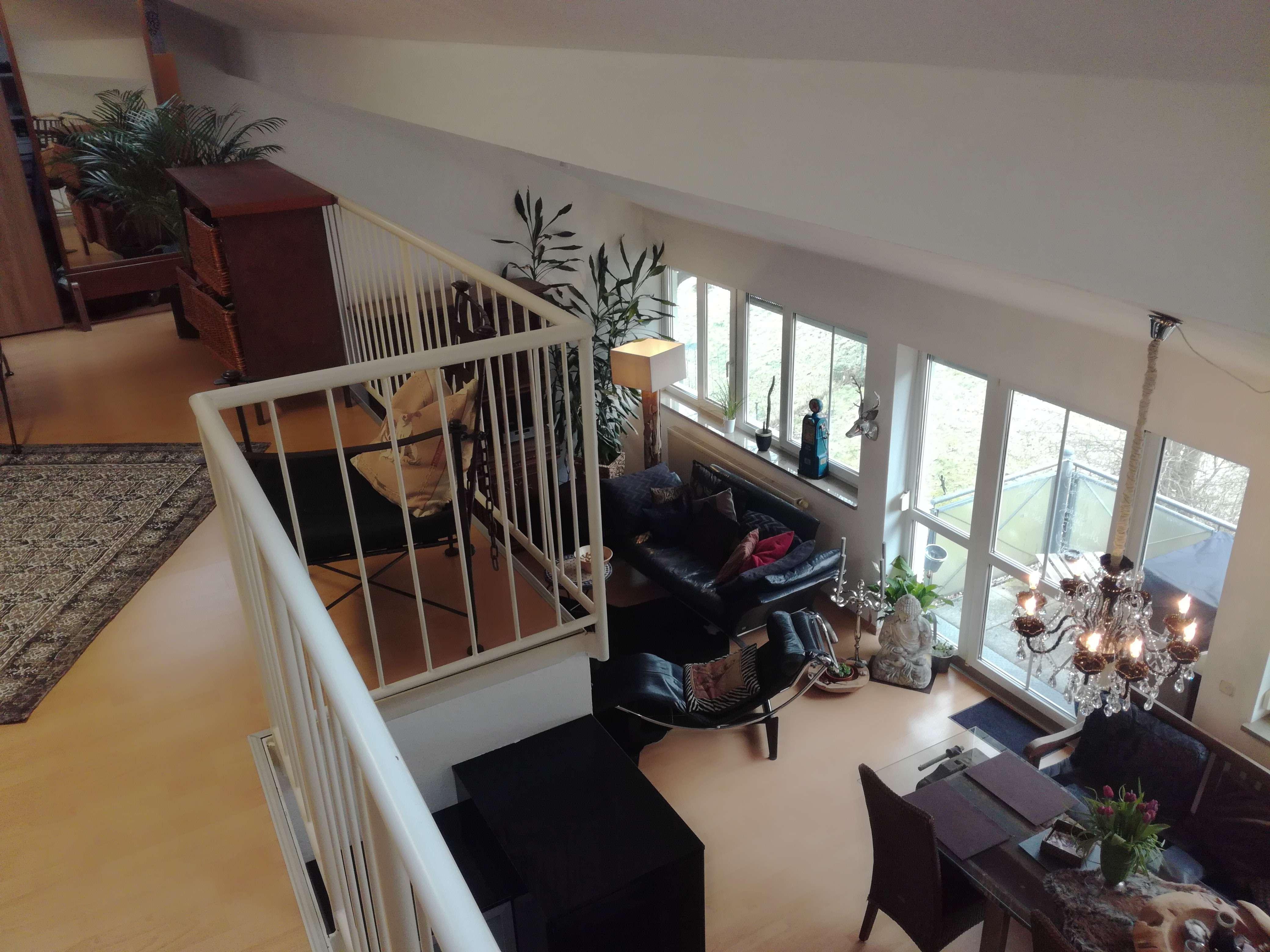 Gepflegte 2-Zimmer-Loft-Wohnung mit Balkon und Einbauküche in Regensburg