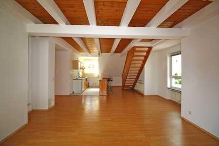 Helle, freundliche 2-Zimmer-Maisonette-Wohnung mit großer Dachterrasse in sehr schöner Lage in Mögeldorf (Nürnberg)