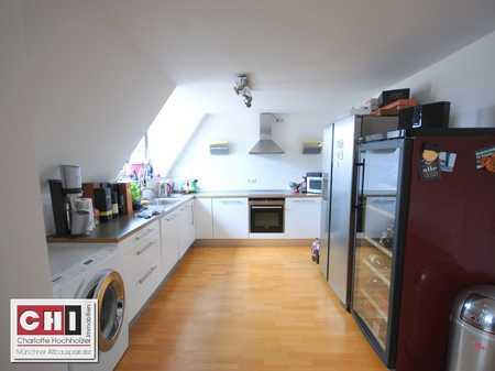 Mitten im Lehel - 3 Zimmer - Dachgeschoßwohnung in schönem Jugendstilhaus in Lehel (München)