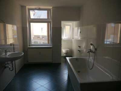 Neu renovierte 2-Zimmer-Wohnung / Erstbezug