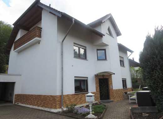 1 - 2 oder 3 Familienhaus mit schönem Südgrundstück und Doppelgarage im top Zustand