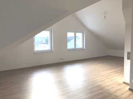 Erstbezug nach Sanierung! 3 Zimmer DG Wohnung in Lorenzen in Lappersdorf