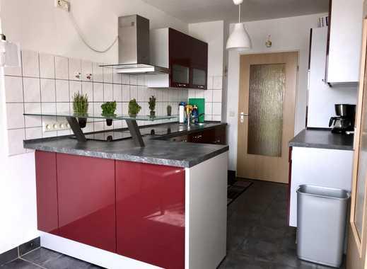 Ansprechende 3-Zimmer-Wohnung mit Balkon und Einbauküche in Essen