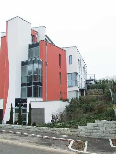Bitte nur Mailanfragen: Bezauberndes Appartement mit kleinem Garten in modernem Gebäude, Bad Abbach in Bad Abbach