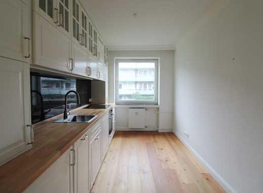 Sanierte Wohnung mit EBK und Balkon