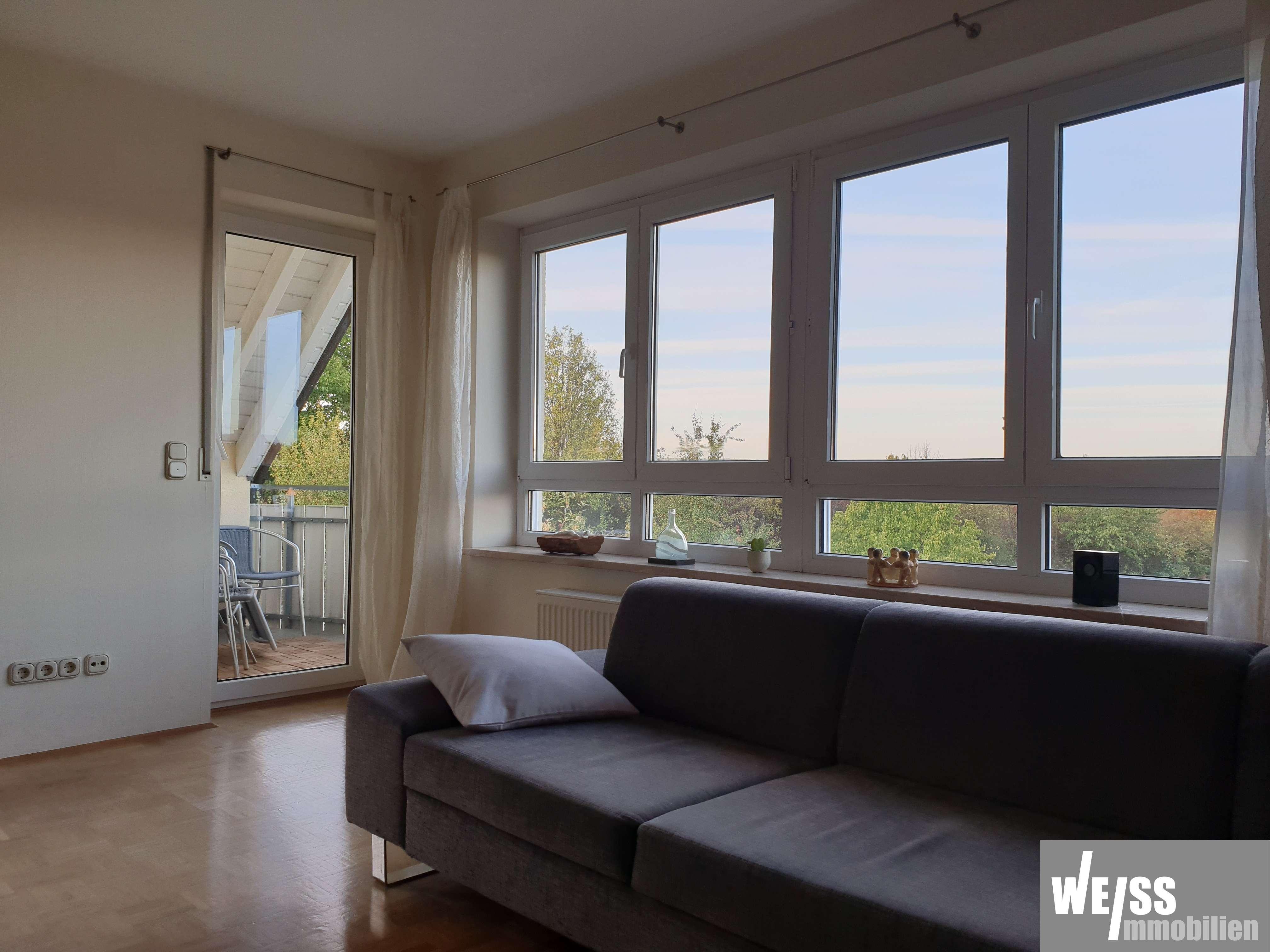 Ruhige,  helle Galerie/Maisonette Wohnung mit schöner Aussicht in