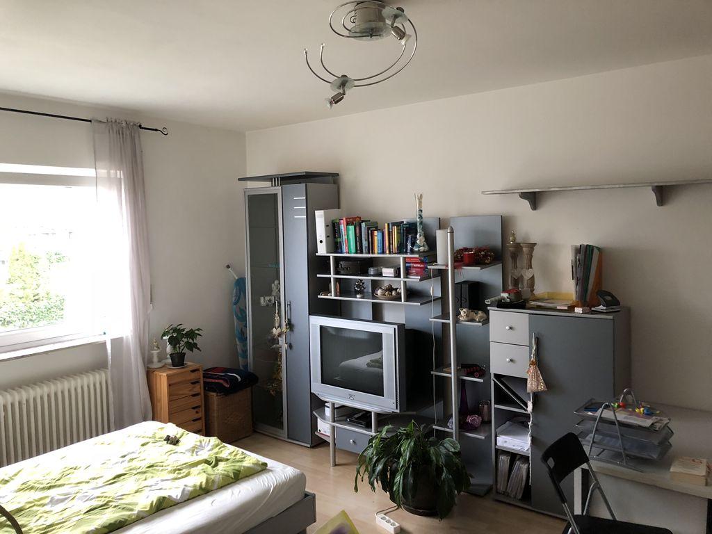 Schön eingerichtetes Appartment 1 Zimmer, Küche, Duschbad in ...