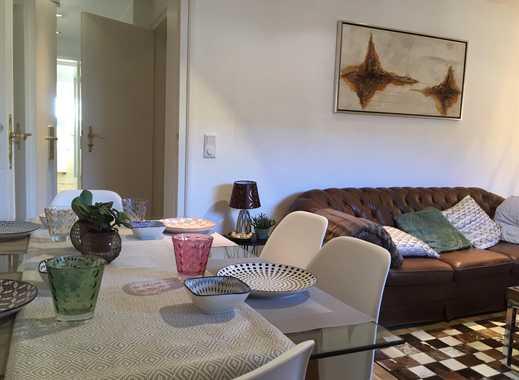 Stilvoll möblierte 2-Zimmer-DG-Wohnung mit Einbauküche