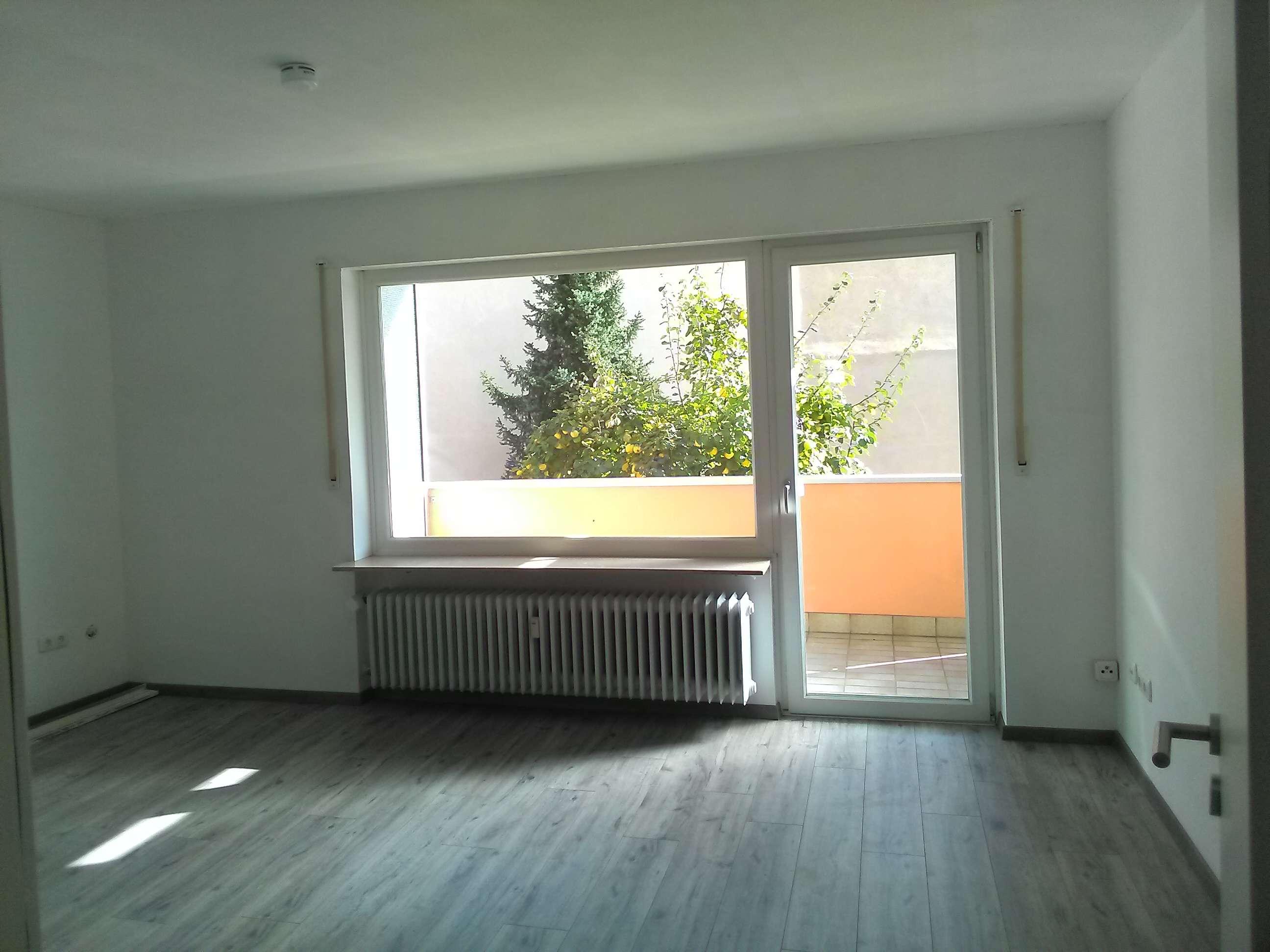 Vollständig renovierte 3-Zimmer-Wohnung mit Balkon und Stellplatz in Nürnberg in Steinbühl (Nürnberg)