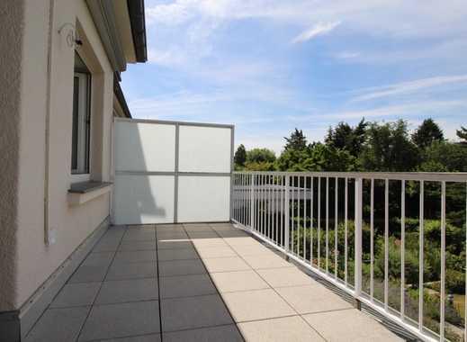 Helle und sympathische 3,5 Zimmer-Wohnung mit Balkon und herrlichem Grünblick!