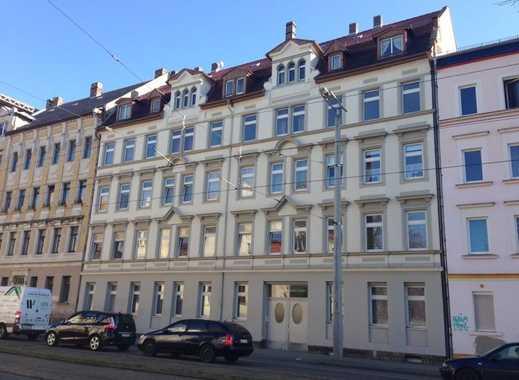 Attraktive & preiswerte DG-Wohnung in Eutritzsch mit TLB & Wanne - WG-geeignet