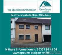 Für Handwerker - Renovierungsbedürftiges Mittelhaus in
