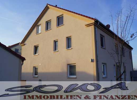 Helle, moderne 3 Zimmer – Neubau – Wohnung im EG mit Terrasse , großem Garten, Garage & KFZ – Stellp