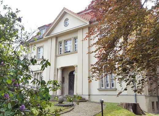 Repräsentative Residenz im Villenviertel, 670,8 m² Nutzfl., 3.400 m² Grundstück, 2 separate Eingänge