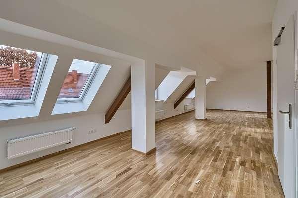 Traumhafte 4-Zimmer-Dachgeschosswohnung gesucht? AKTION: 1 Grundmiete frei bis 31.03.2020 in Gartenstadt (Nürnberg)