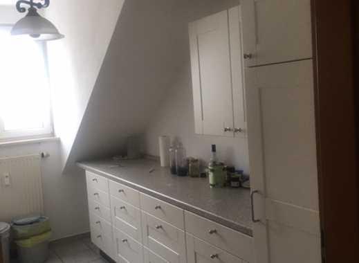 Gepflegte 3-Zimmer-Dachgeschosswohnung mit Einbauküche in Ismaning