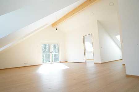 Erstbezug: Exklusive 4-Zimmer-DG-Wohnung mit Balkon in Sauerlach in Sauerlach