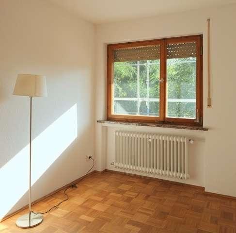 Helle schöne 4-Zimmer-Wohnung im 1. Obergeschoss mit Balkon im Inselgebiet in Insel (Bamberg)