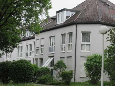 Repräsentativ, ruhig, großzügiges Wohnen, Saunabereich, EBK, teilmöbliert, Kaminofen. in Bogenhausen (München)