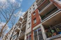 schöne geschnitte&renovierungsbedürftige 3-Zimmer Wohnung in einer ruhigen Straße in Friedrichshain
