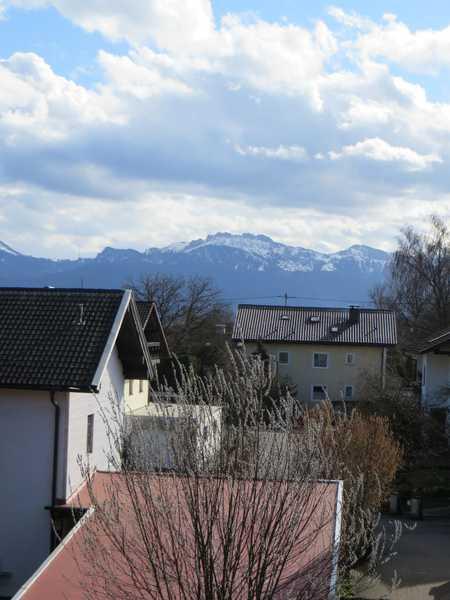 """ Erstbezug in Rimsting ! Sonnige 4 Zimmer, 2 Bäder, 4 Balkone ! Ruhige Waldrandlage  !"" in Rimsting"