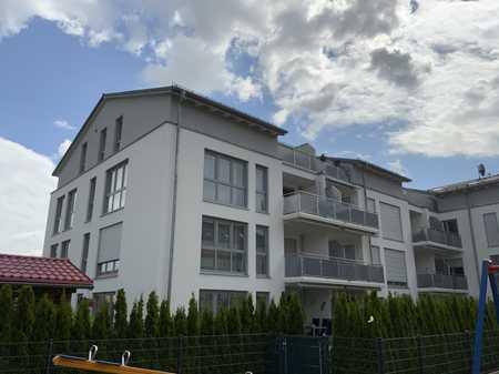 Neuwertige und großzügige 3-Zimmer Wohnung in Göggingen