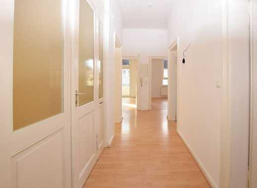 Lichtdurchflutete 3-Zimmer-Altbauwohnung...!