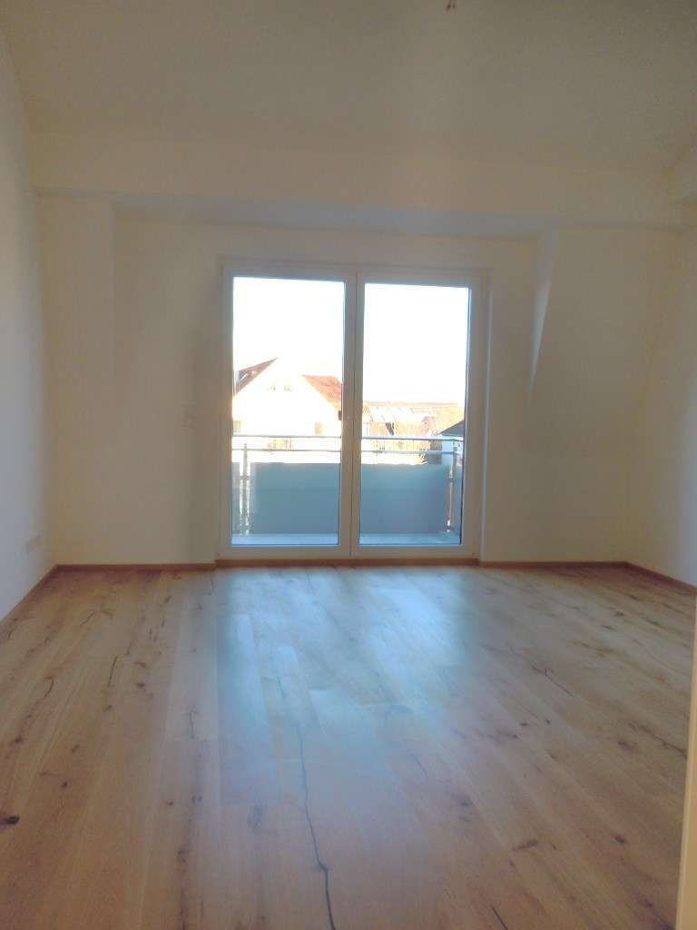 Traumhafte 3-Zimmer-DG-Wohnung in Innenstadtnähe, hohe Decken, Erstbezug mit Küche
