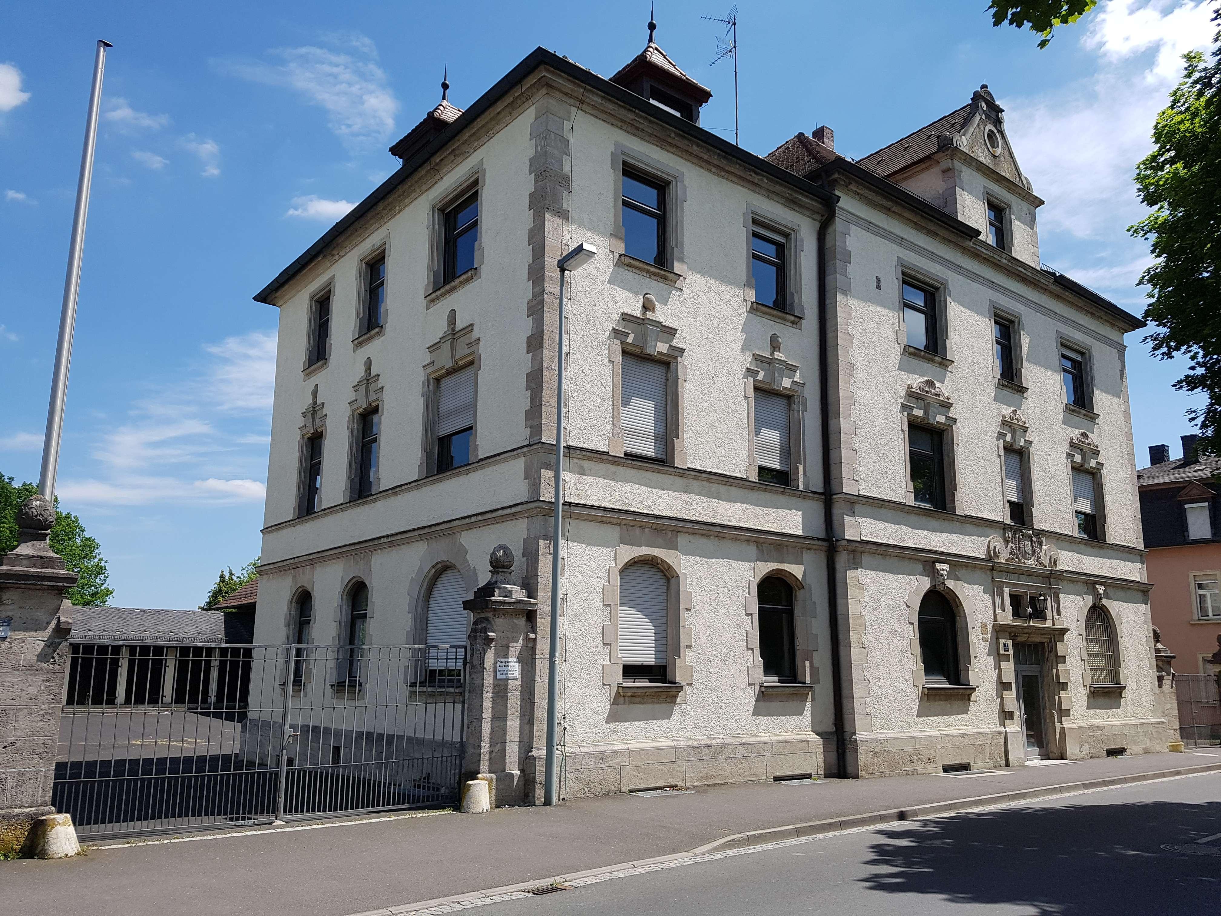 Erstbezug nach Generalsanierung - Modern Wohnen ! in Kitzingen