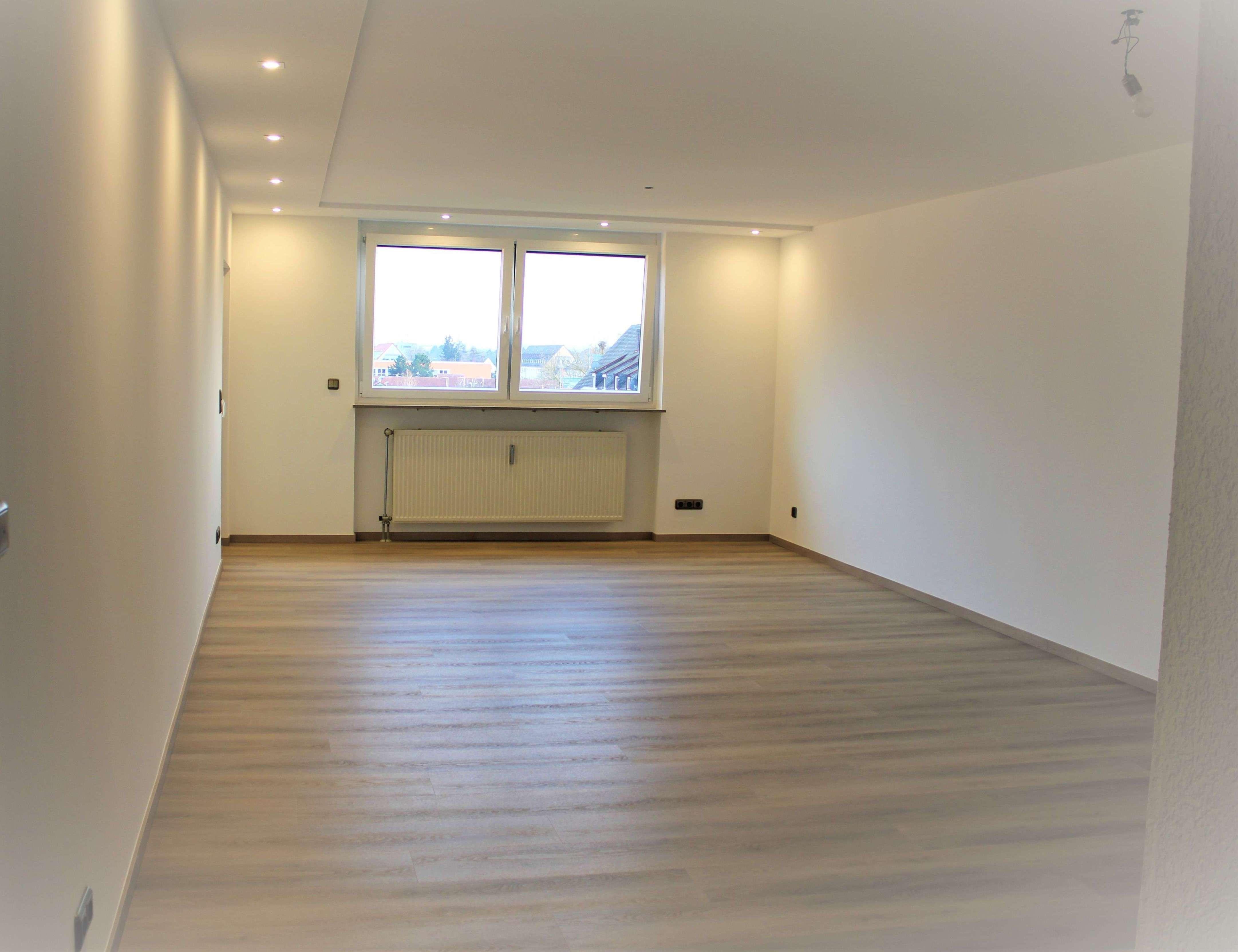 Modernisierte, helle 3-Zimmer-Wohnung mit Balkon in ruhiger Südstadt-Lage in