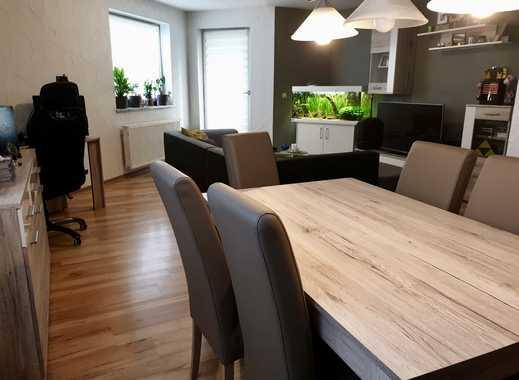 Gemütlich: Attraktive 2-Zimmer-Wohnung mit Balkon/Terrasse und EBK in Saarlouis