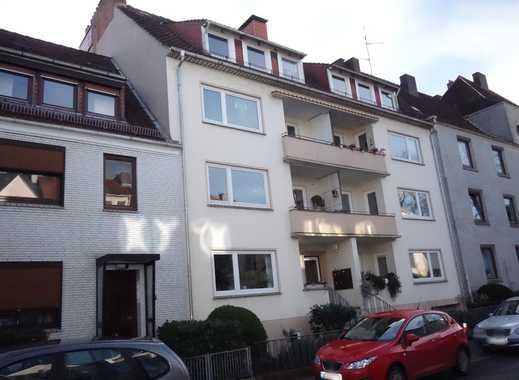 renovierte 3-Zimmer-Wohnung mit Balkon und Loggia im Flüsseviertel