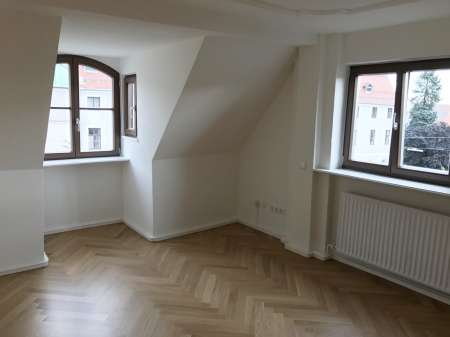"""2 Zi. DG + Dachboden + EBK im sanierten """"Drei Schweizer Haus"""" in Memmingen-Innenstadt"""
